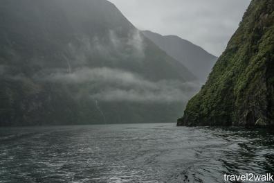 16_12_NZ2-77