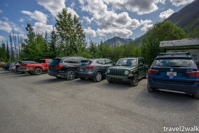 Floe Lake Trailhead parking lot